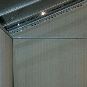 Вертикальные жалюзи на скошенные окна