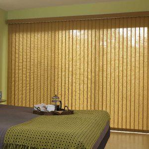Вертикальные жалюзи в спальню